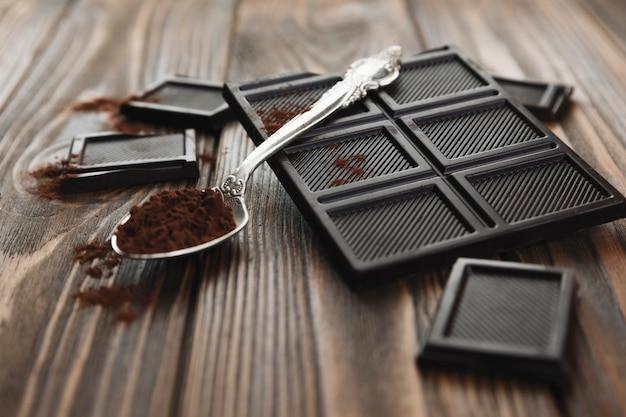 チョコレートバー、スプーン付き