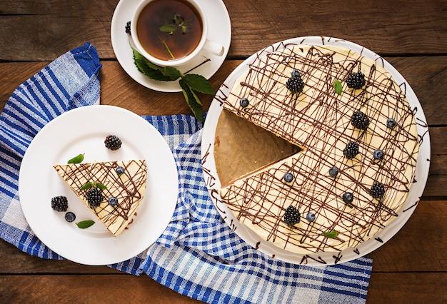 Шоколадный торт «птичье молоко»