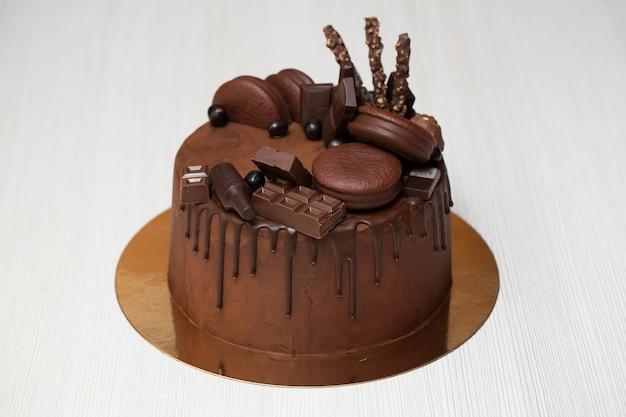 チョコレートデコレーションチョコレートケーキ、チョコレートガナッシュ