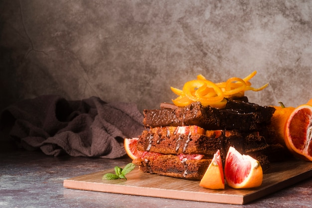 Chocolate cake with fruit and mint