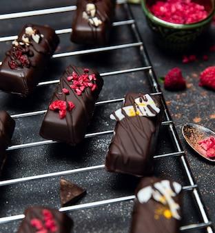 キッチングリルで砂糖なしのチョコレート菓子。