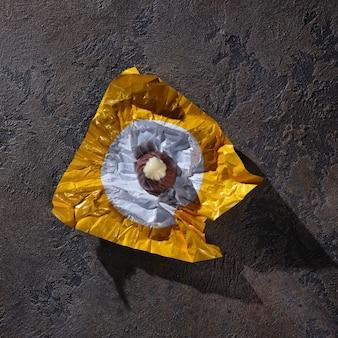 Шоколадные конфеты в обертке