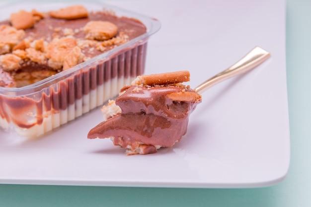 Шоколадные конфеты с печеньем из кукурузного крахмала, очень популярные в рио-де-жанейро.