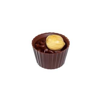 白い孤立した背景にクリームとナッツのチョコレート菓子。レストランのデザートのアイデア