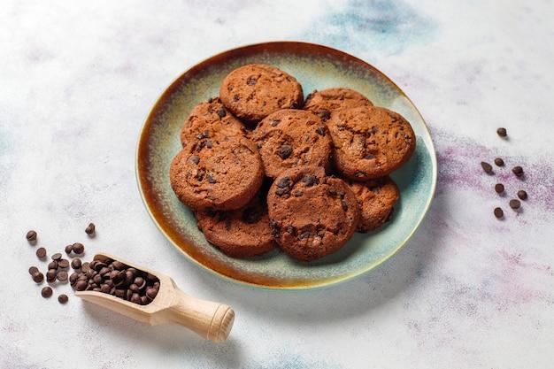 초콜릿 칩 글루텐 프리 쿠키.