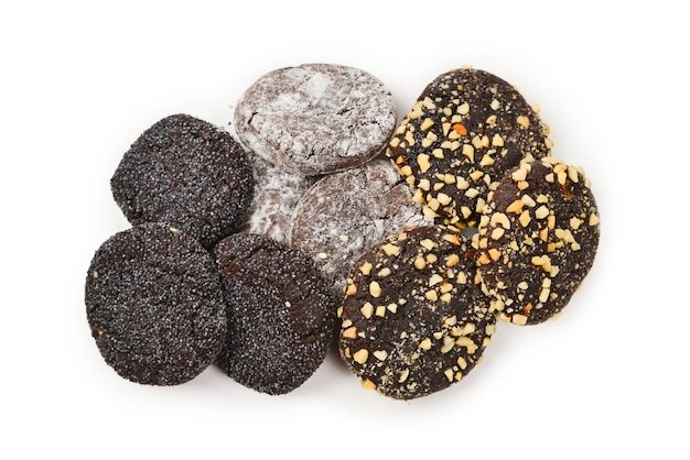 白い背景で隔離のチョコレートクッキー。