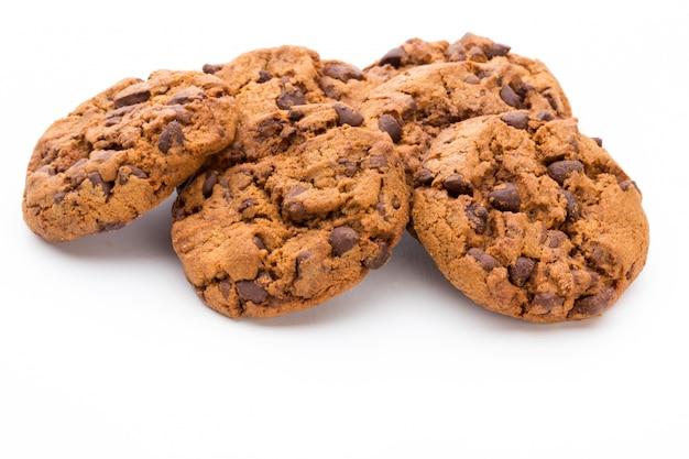 明るい背景にチョコレートクッキー