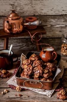 Chocolate, corn flake and walnut cookies