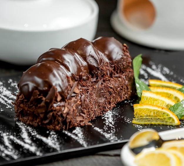 Шоколадный десерт с шоколадной пастой