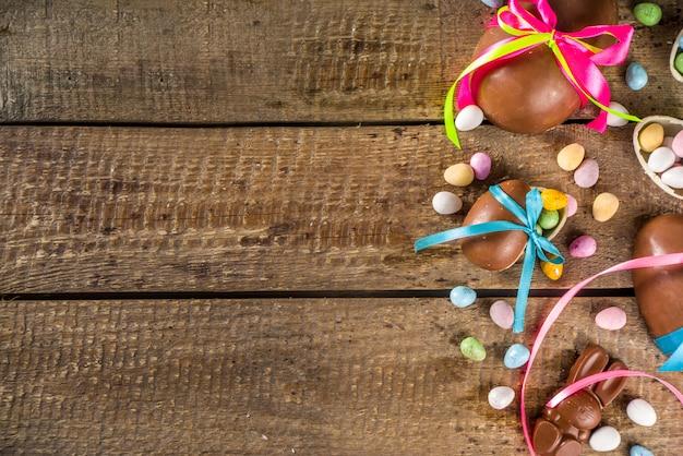 초콜릿 부활절 달걀 배경
