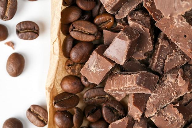 코코아로 만든 초콜릿