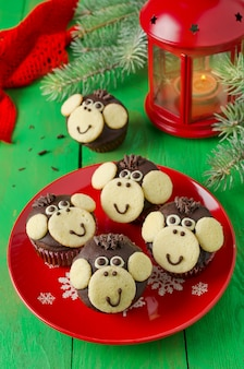 チョコレートマフィンモンキー。新年のシンボル