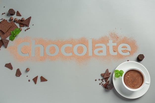 어두운 표면에 초콜릿. 세계 초콜릿의 날 개념