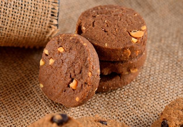Chocolate peanut cookies