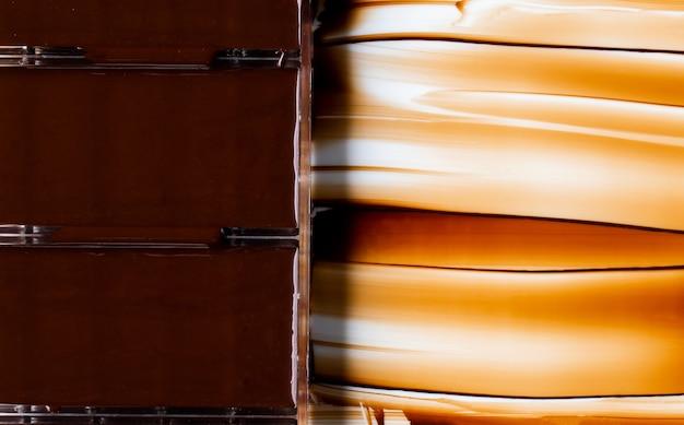 白で隔離チョコレートストリーム