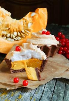 Chocolate tartlet of pumpkin soufflãƒâ© and meringue