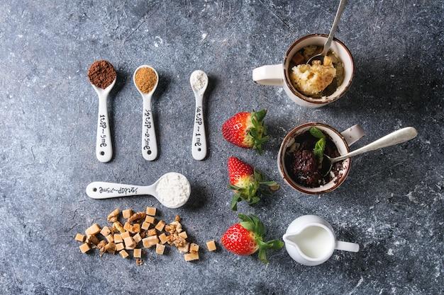 Chocolate and vanilla mug cakes