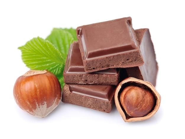 Шоколад с фундуком крупным планом