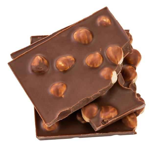 Шоколад с орехами, изолированные на белом.