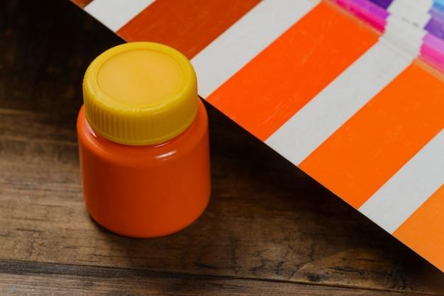 カラーパレットでペイントする色の選択