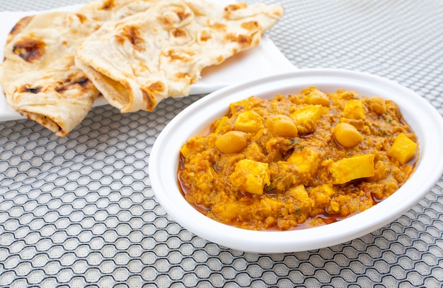 Северная индийская здоровая кухня chole paneer