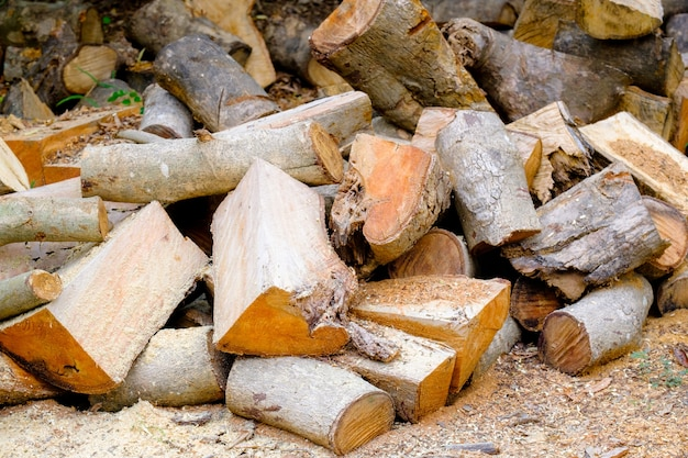 Chop a pile of log
