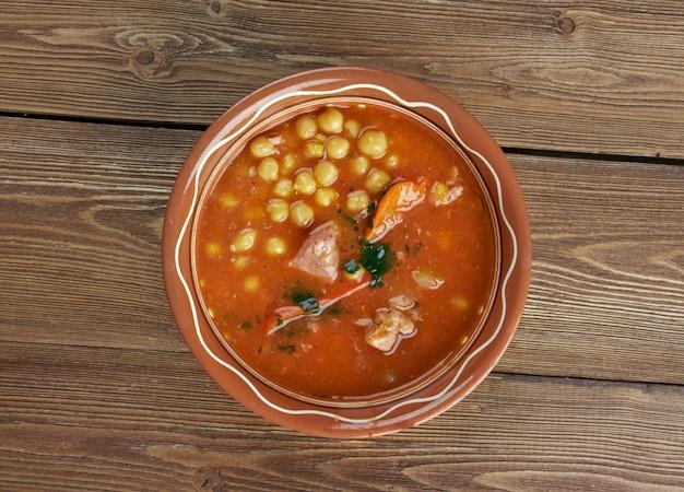 Chorba homos суп из алжирского нута с мясом и овощами
