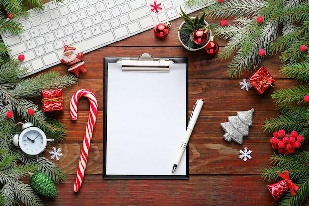 크리스마스와 전나무 가지 컴퓨터 키보드 클립 보드 알람 시계 장식