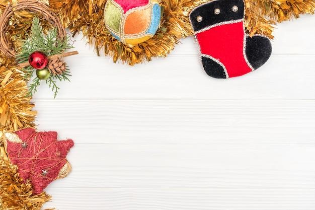 新年の装飾品で角フレームで作られたクリスマスと新年の装飾