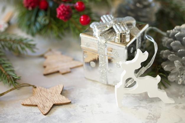 クリスマスと年末年始の構成新年の贈り物