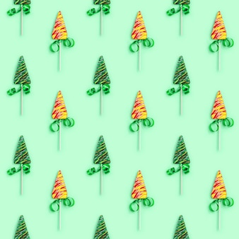 Рождество и новый год бесшовные модели с леденцами на палочке в форме елки