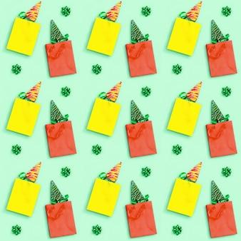 クリスマスツリーのような形をしたロリポップとクリスマスと新年のシームレスなパターン