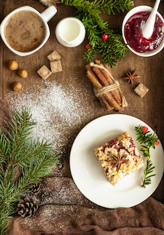 Christmas apple pie bars with jam, spices and crumble