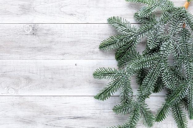 Рождественский фон. елка и украшения.