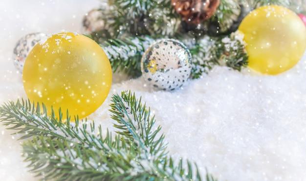 크리스마스 배경입니다. 새해 복 많이 받으세요. 선택적 초점 휴일