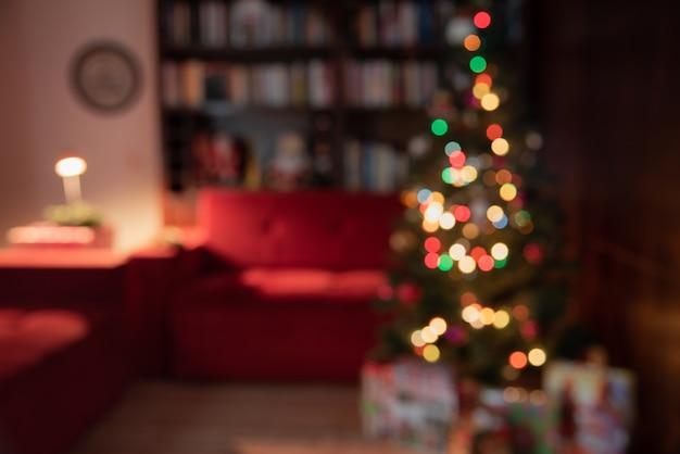 クリスマスの装飾が施されたぼやけたシーンのクリスマスの背景