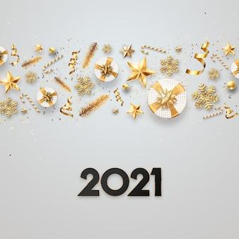 クリスマスの背景、明るい背景にゴールデンボールと碑文2021。