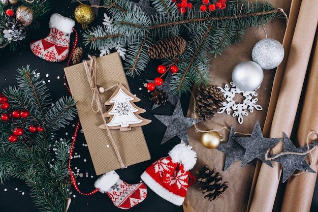 Рождественский фон макет на черном фоне