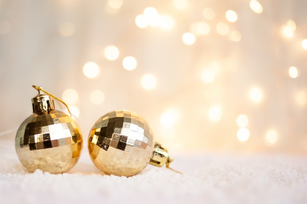 Bokeh와 크리스마스 장난감 크리스마스 배경, 인사말 카드로 사용할 수 있습니다