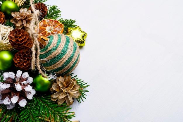 수제 꼬기 장식 장식 크리스마스 배경