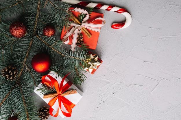 Рождественский фон с пространством справа