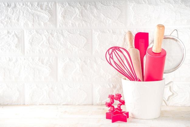 製菓業者またはパン屋の職場のためのクリスマスのベーキング器具