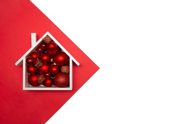 복사 공간 목조 주택에서 크리스마스 공입니다.