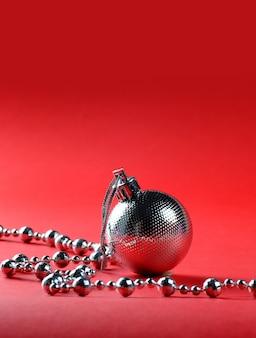 Елочные шары с украшениями