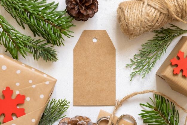 Рождественский пустой подарок тег вид сверху, макет