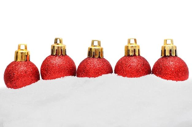 クリスマスの境界線-白い背景で隔離のクリスマスの装飾と雪