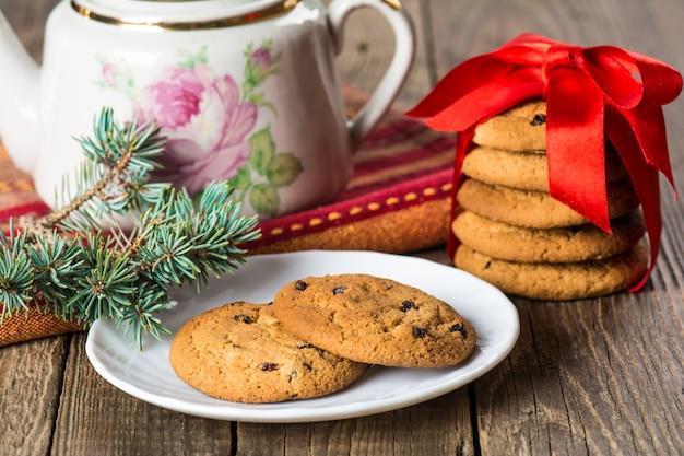 건포도와 크리스마스 버터 쿠키