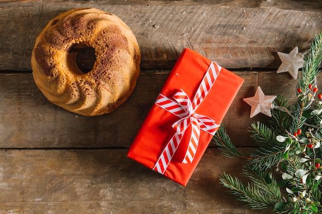 クリスマスケーキとプレゼント