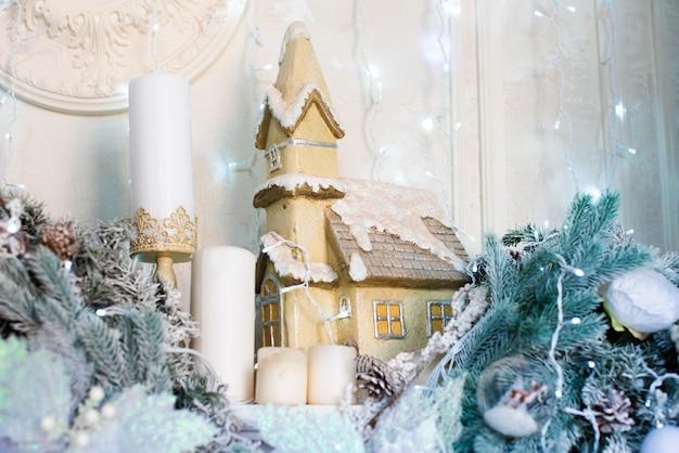 Рождественская открытка. дом зимой