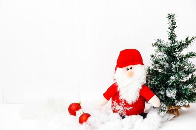 크리스마스 카드-빨간 지팡이, 산타 클로스와 크리스마스 트리. 겨울 휴가. 크리스마스 이브. 인사말 카드.